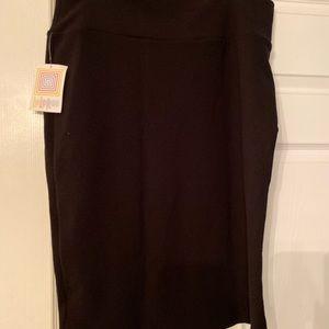 Solid black Cassie skirt